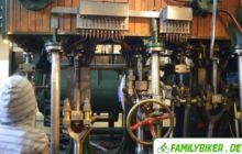 Maschinenraum eines Schleppers