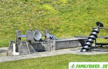 Wasserspielplatz mit Hebewerk