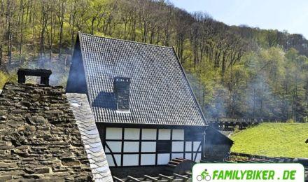 Schmiederauch über den Dächern - Freilichtmuseum Hagen